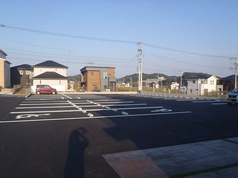 10月11日(木)OPEN!肉のひみつ基地 ひびきの店様 新築外構工事10